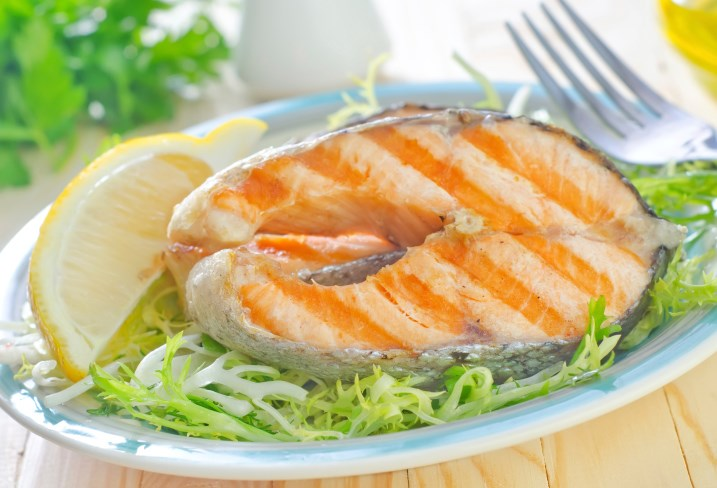 High intake of fish and long-chain ω-3 PUFAs is associated with reduced all-cause mortality after breast cancer.