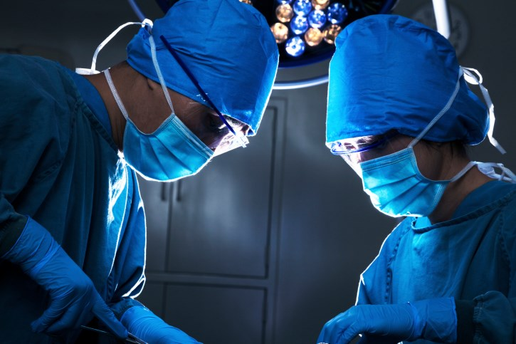 Surgery Before Chemotherapy Beneficial in Advanced Ovarian Cancer