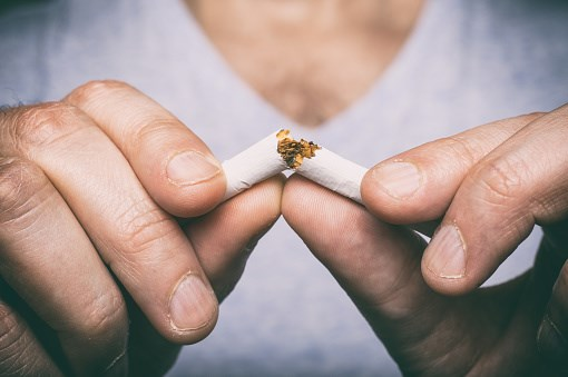 Smoking cessation may improve survival regardless of the type of cancer diagnosed, due to a reduction in comorbidities.