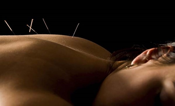 Acupuncture Soothes Symptoms in Breast Cancer