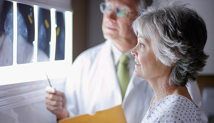EBCC: Older Women Don't Benefit From Routine Mammograms