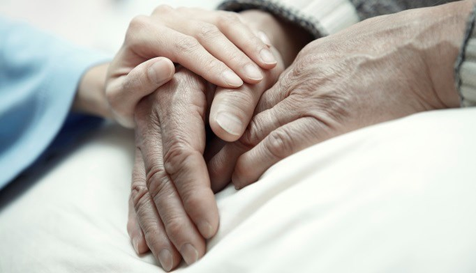 Early palliative support for family caregivers reduces depression