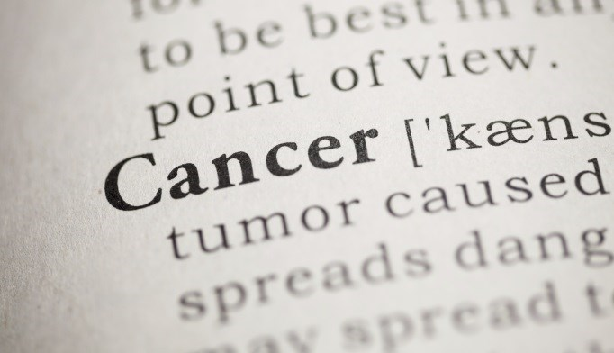 Lower socioeconomic status linked with larger tumors, higher T stage, positive lymph nodes.