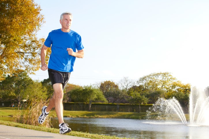 Fit middle-aged men appear less likely to develop lung and colorectal cancer in later life than their out-of-shape peers.