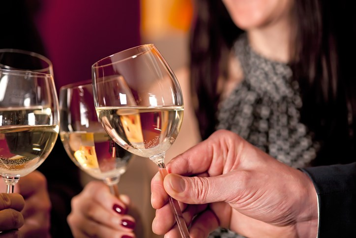 A report by Cancer Research UK and the University of Sheffield found low levels of public awareness in Britain of the link between heavy alcohol consumption and the risk of developing cancer.